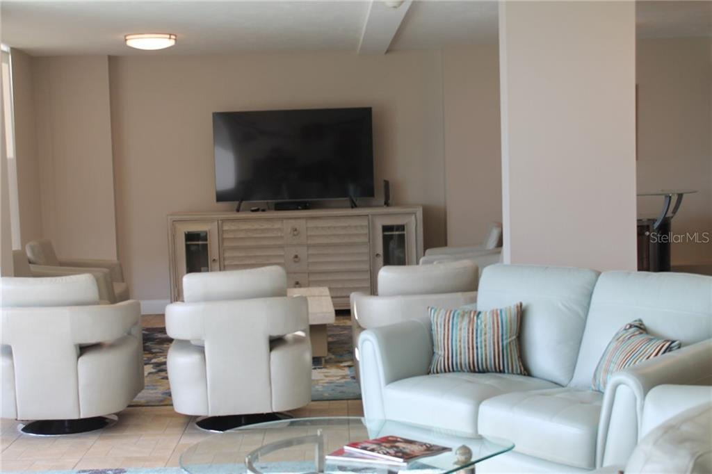 New fitness center - Condo for sale at 101 S Gulfstream S #16b/Phb, Sarasota, FL 34236 - MLS Number is A4426960