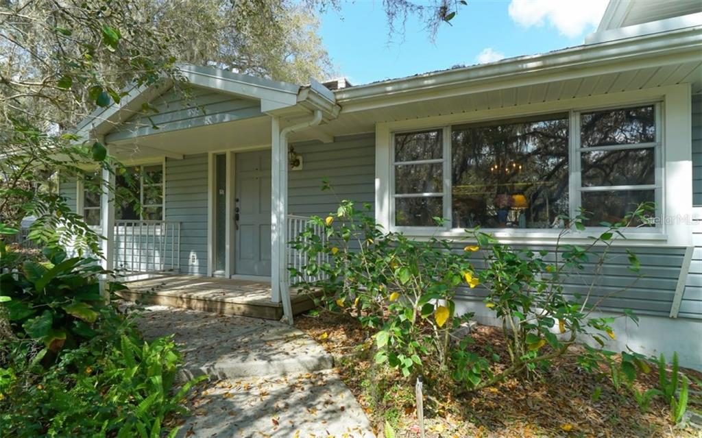 Single Family Home for sale at 2215 Shadow Wood Ln, Sarasota, FL 34240 - MLS Number is A4427846