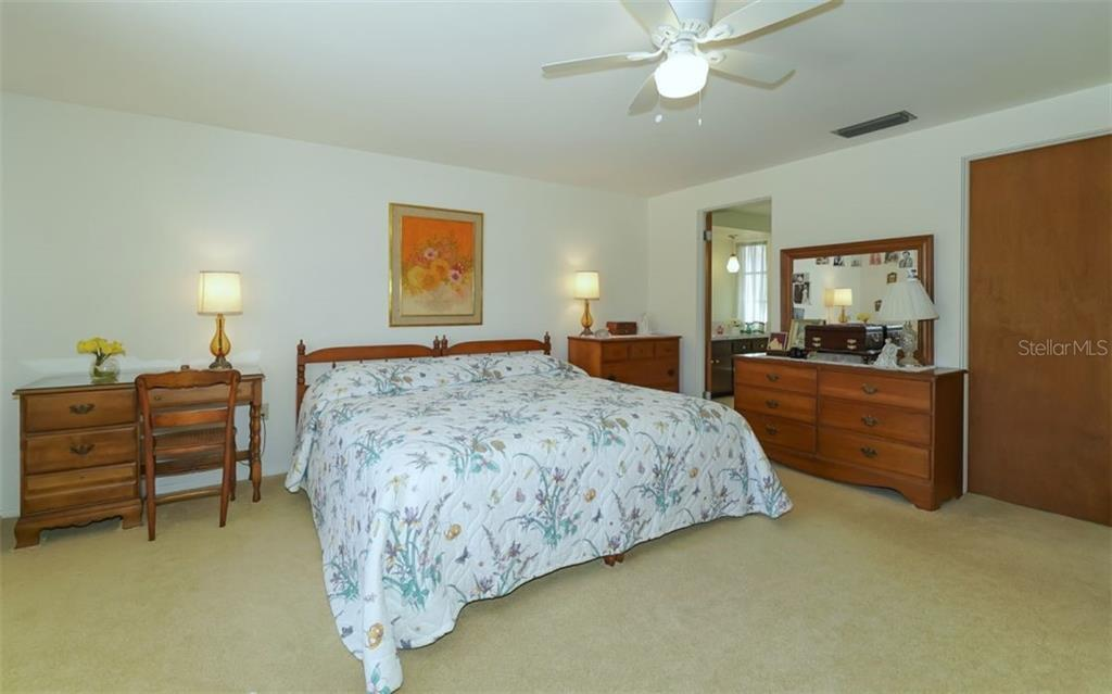 Master Bedroom - Single Family Home for sale at 935 Contento St, Sarasota, FL 34242 - MLS Number is A4431223