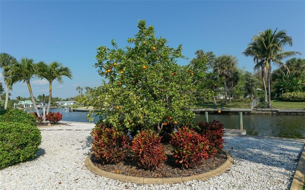 Single Family Home for sale at 935 Contento St, Sarasota, FL 34242 - MLS Number is A4431223