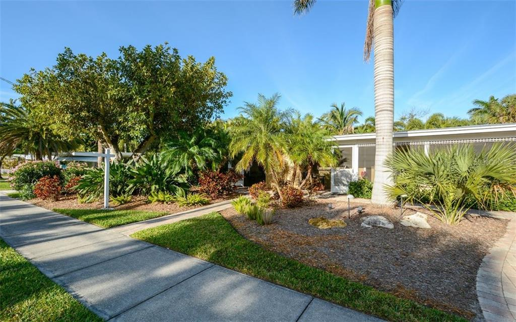Rental information for 2016 - Duplex/Triplex for sale at 5290 Avenida Navarra, Sarasota, FL 34242 - MLS Number is A4432152