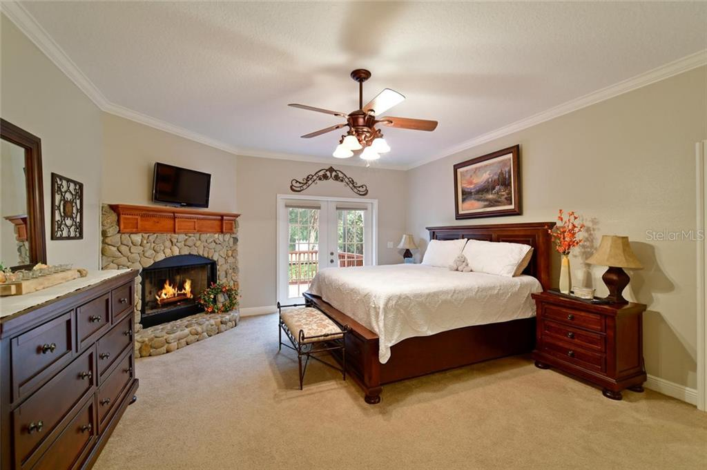 Master bedroom main floor - Single Family Home for sale at 13825 18th Pl E, Bradenton, FL 34212 - MLS Number is A4435082