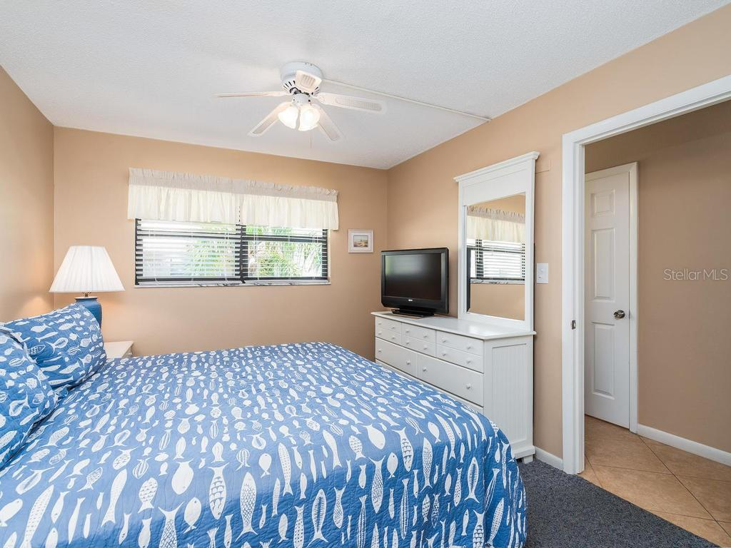Condo for sale at 4621 Gulf Of Mexico Dr #14d, Longboat Key, FL 34228 - MLS Number is A4435849