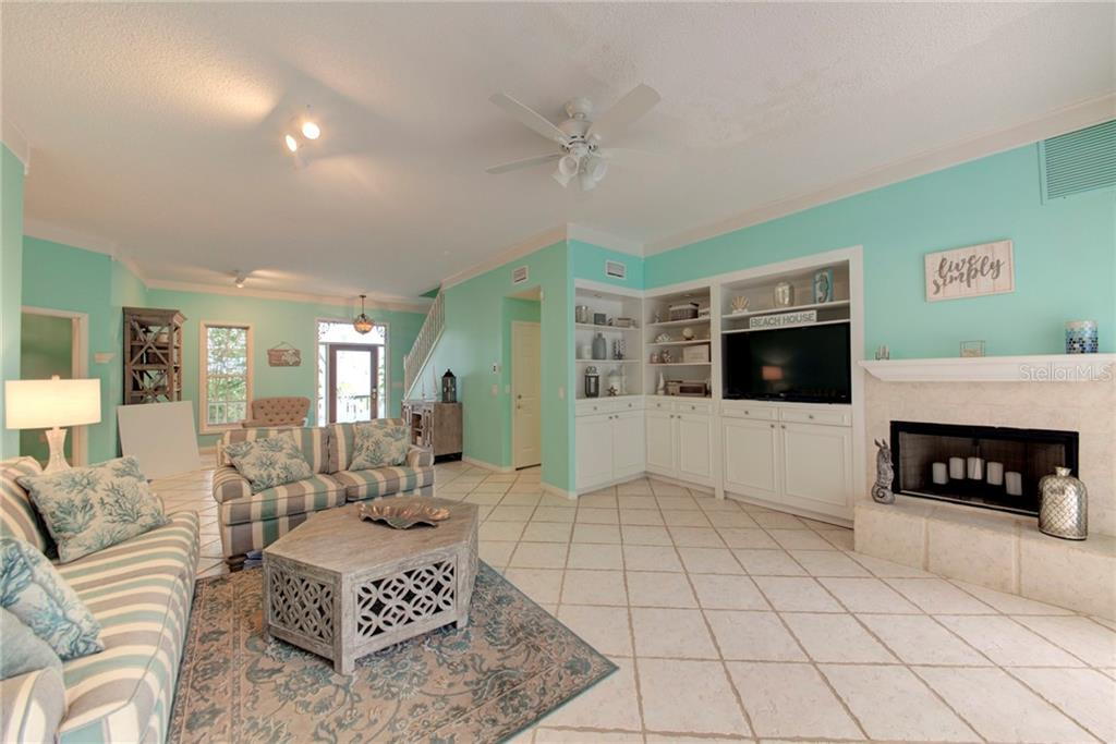 Single Family Home for sale at 1202 N View Dr, Sarasota, FL 34242 - MLS Number is A4436092