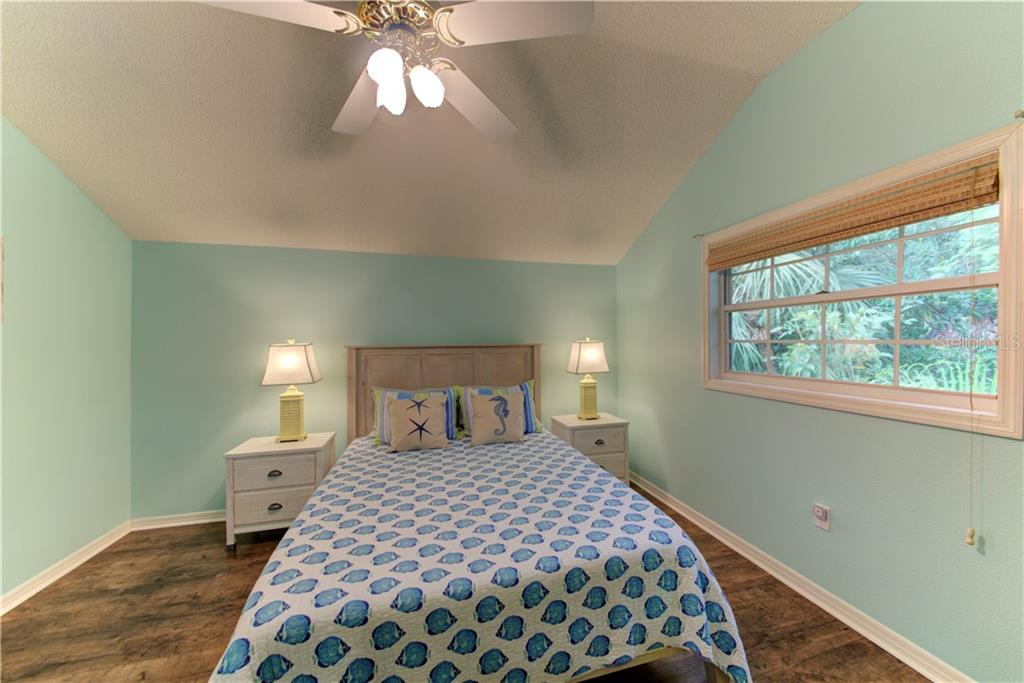 Bedroom 3 - Single Family Home for sale at 1202 N View Dr, Sarasota, FL 34242 - MLS Number is A4436092