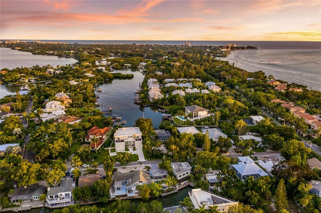 Single Family Home for sale at 3931 Roberts Point Rd, Sarasota, FL 34242 - MLS Number is A4438837