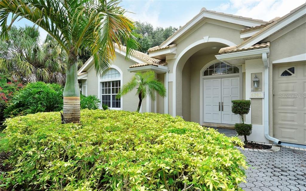 New Roof in 2017. 3 car garage - Single Family Home for sale at 6301 Thorndon Cir, University Park, FL 34201 - MLS Number is A4438968