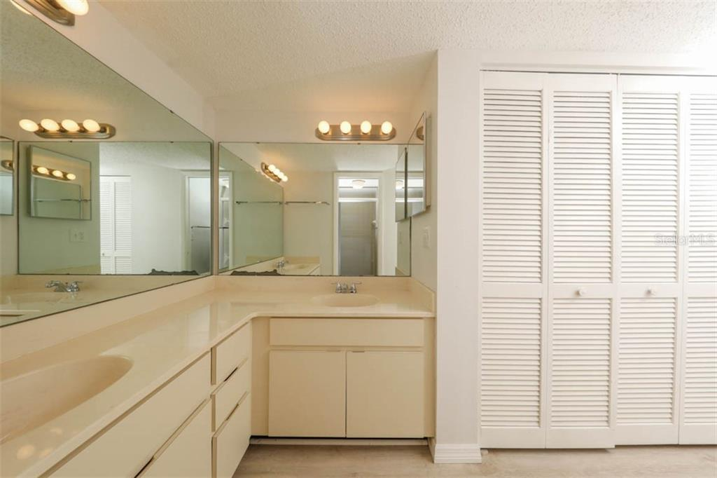 Master Bathroom - Condo for sale at 1742 Landings Blvd #38, Sarasota, FL 34231 - MLS Number is A4439252