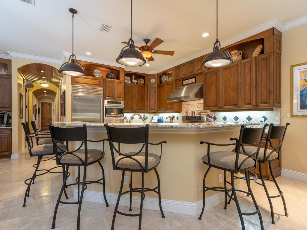 Walk-in Pantry, 6 Top Kitchen Bar - Single Family Home for sale at 158 Puesta Del Sol, Osprey, FL 34229 - MLS Number is A4439362
