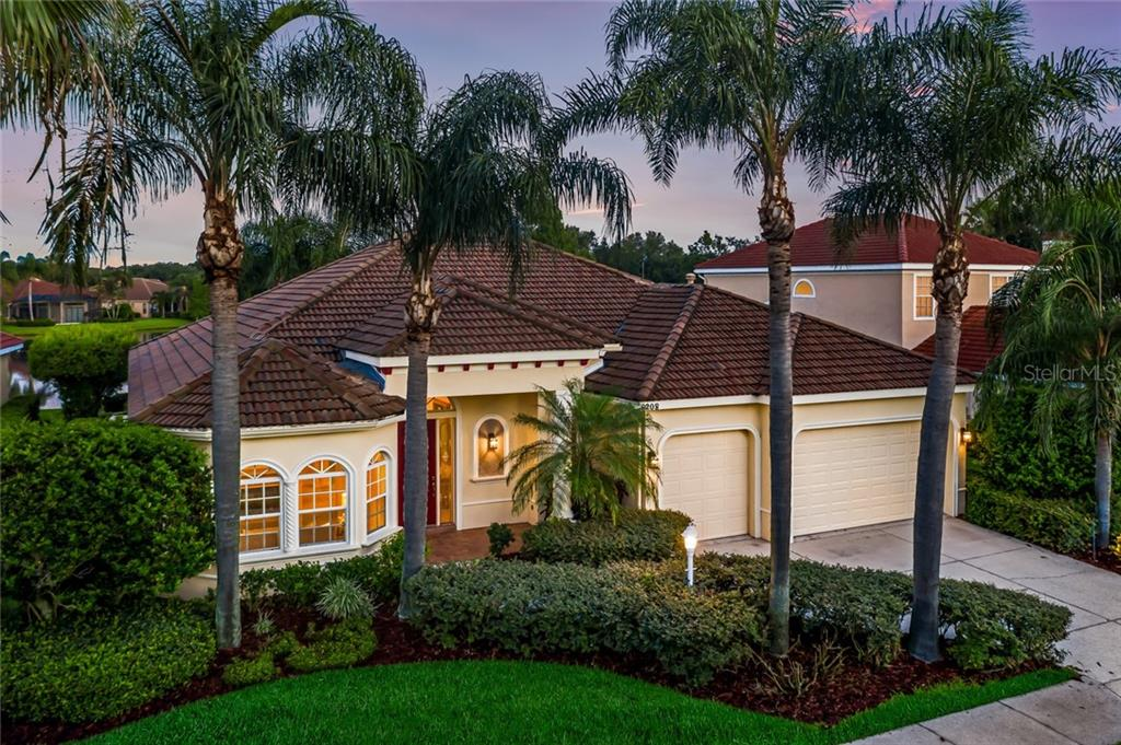 Features - Single Family Home for sale at 8208 Championship Ct, Lakewood Ranch, FL 34202 - MLS Number is A4441026
