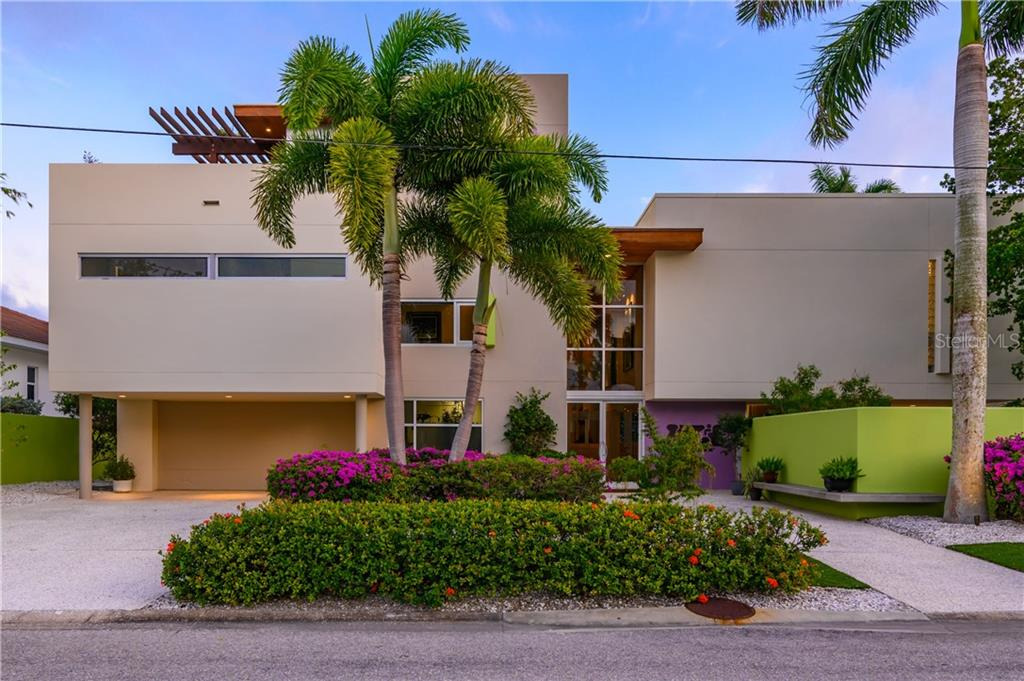 Single Family Home for sale at 246 Morningside Dr, Sarasota, FL 34236 - MLS Number is A4441172