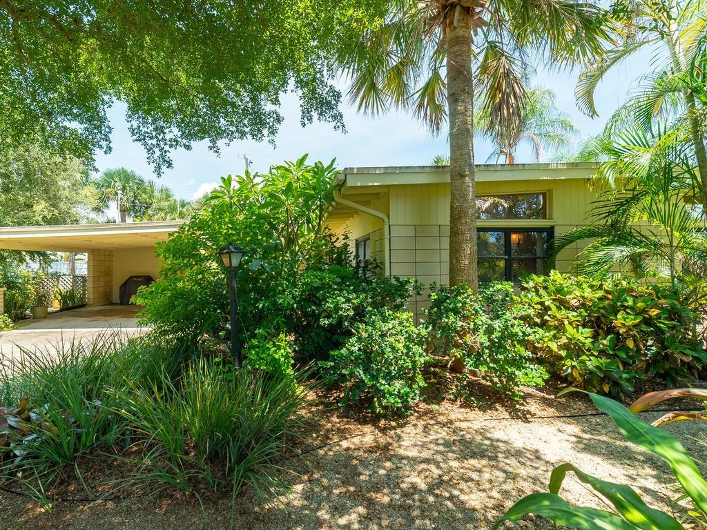 Mold Disclosure - Single Family Home for sale at 509 Beach Park Blvd, Venice, FL 34285 - MLS Number is A4441235