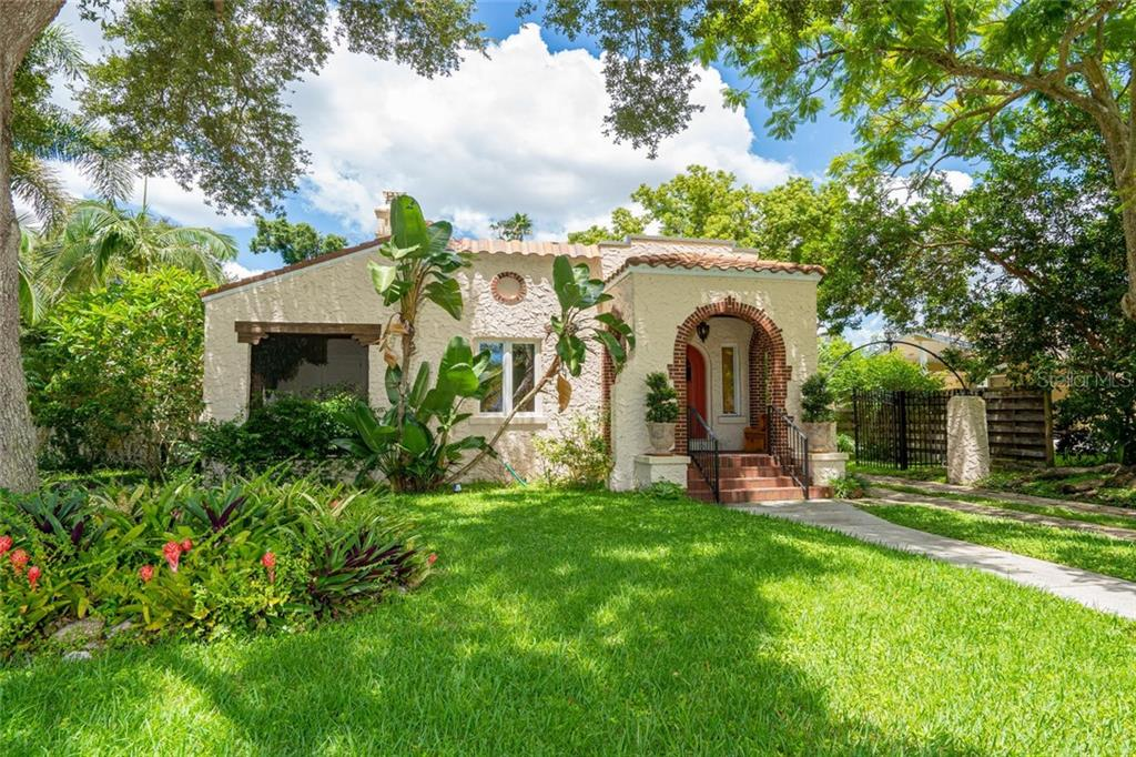 Single Family Home for sale at 461 N Shore Dr, Sarasota, FL 34234 - MLS Number is A4444341