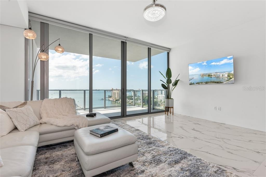 Condo for sale at 1155 N Gulfstream Ave #1106, Sarasota, FL 34236 - MLS Number is A4445358