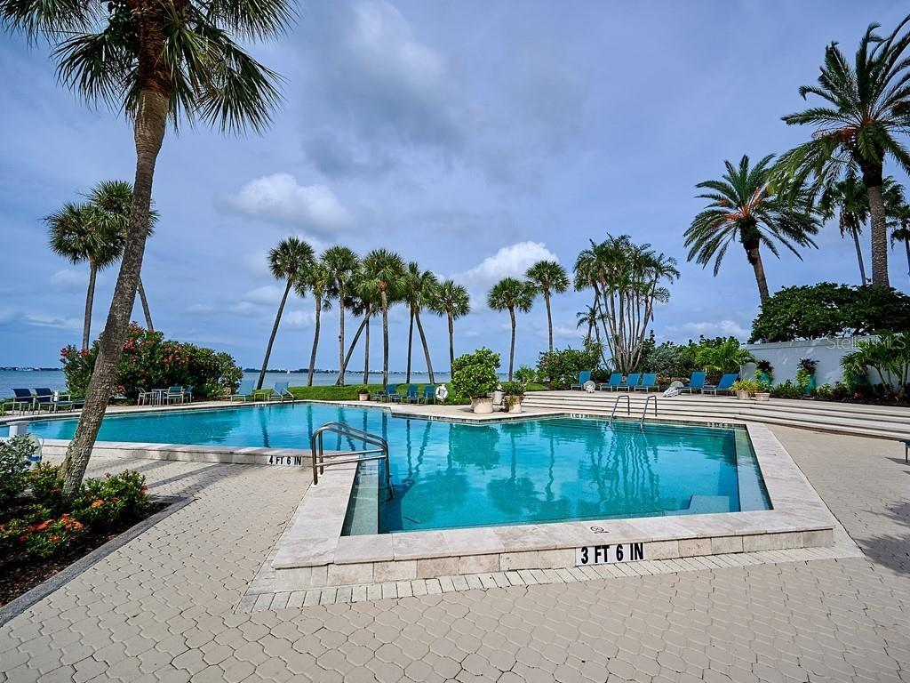 Condo for sale at 988 Blvd Of The Arts #1814-15, Sarasota, FL 34236 - MLS Number is A4446225