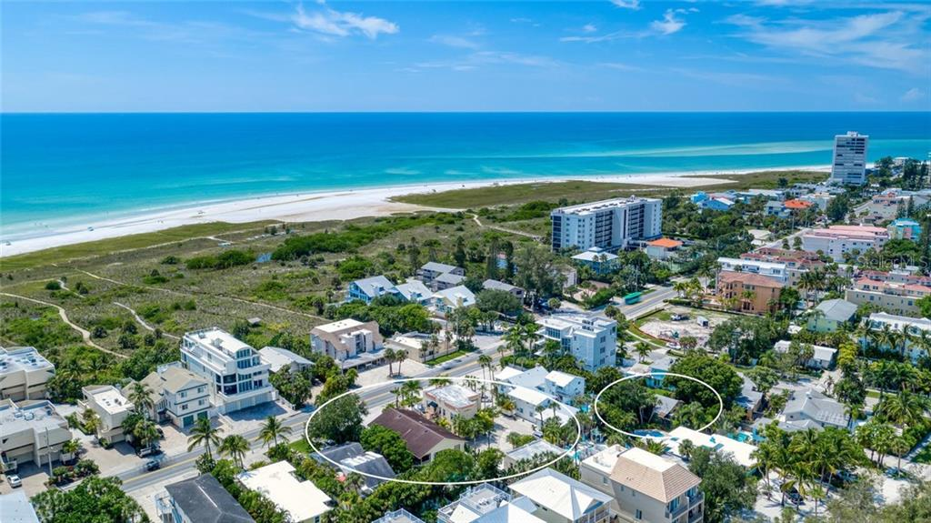Single Family Home for sale at 523 Beach Rd, Sarasota, FL 34242 - MLS Number is A4446354