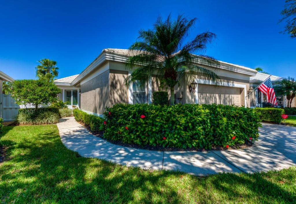 Private entrance - Single Family Home for sale at 8727 53rd Ter E, Bradenton, FL 34211 - MLS Number is A4447005