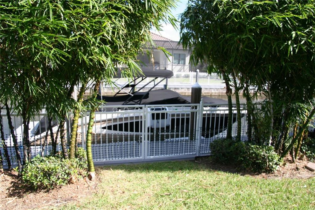 Single Family Home for sale at 579 Fore Dr, Bradenton, FL 34208 - MLS Number is A4447205