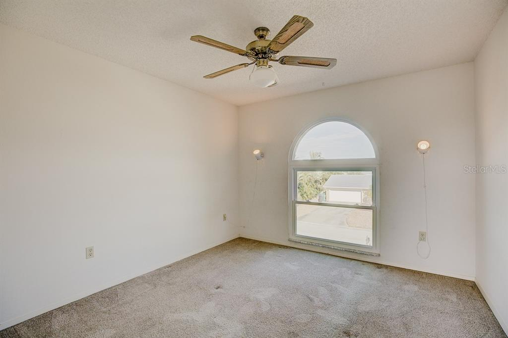 Large Upstairs Bedroom - Single Family Home for sale at 523 67th St, Holmes Beach, FL 34217 - MLS Number is A4447854