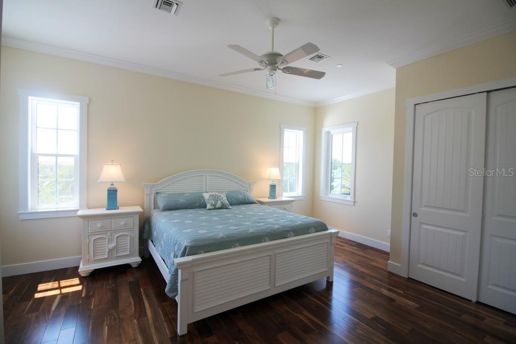 Master Bathroom - Single Family Home for sale at 7010 Firehouse Rd, Longboat Key, FL 34228 - MLS Number is A4449332