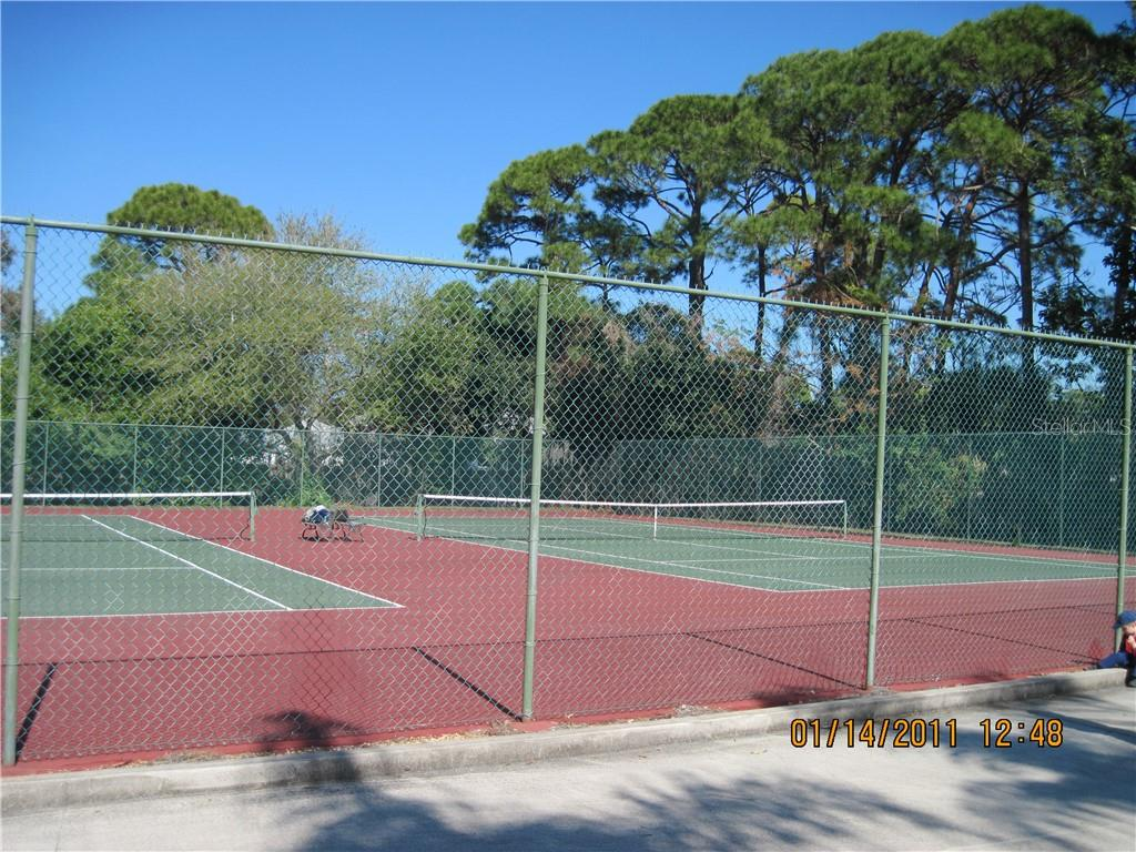 tennis court [ hard and soft surface ] - Condo for sale at 5525 Ashton Lake Dr #5525, Sarasota, FL 34231 - MLS Number is A4451290