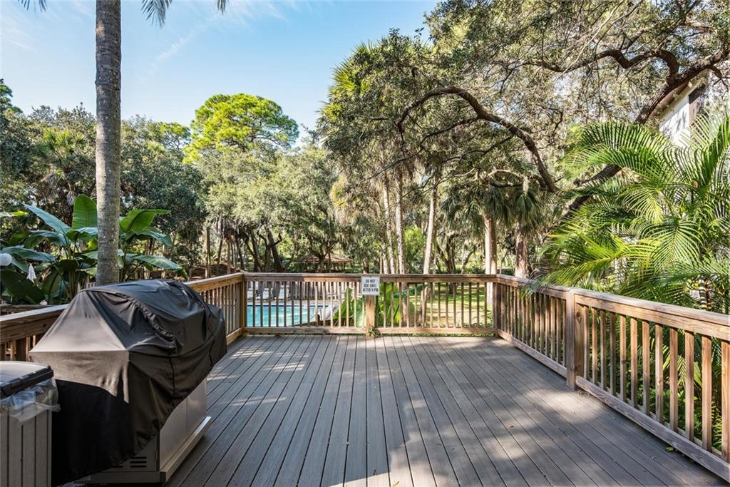 Community Grill - Condo for sale at 2731 Orchid Oaks Dr #301, Sarasota, FL 34239 - MLS Number is A4452031