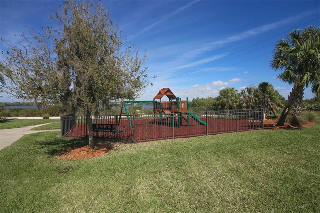 Single Family Home for sale at 1019 Lanyard Ct, Bradenton, FL 34208 - MLS Number is A4453590