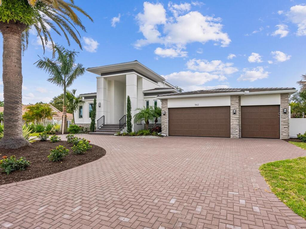 Bird Key Amendments - Single Family Home for sale at 562 Bird Key Dr, Sarasota, FL 34236 - MLS Number is A4455197