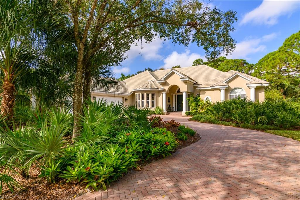 Single Family Home for sale at 8222 Regents Ct, University Park, FL 34201 - MLS Number is A4456413