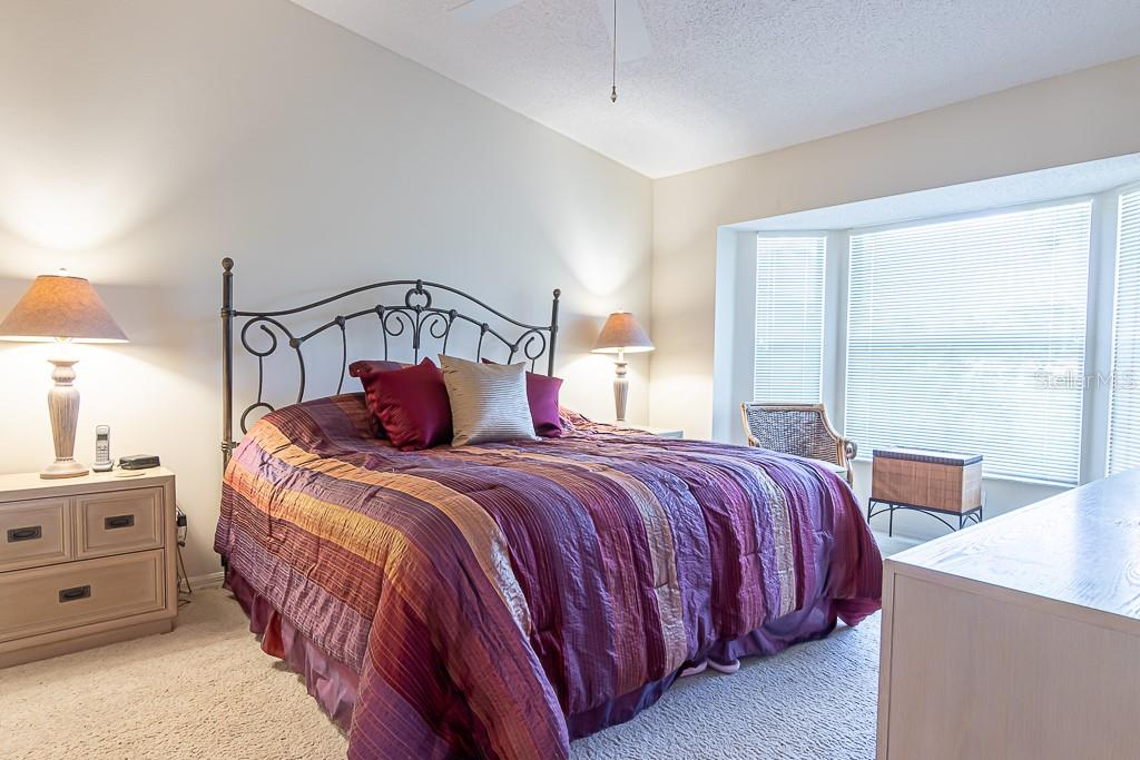 Master bedroom - Condo for sale at 9570 High Gate Dr #1722, Sarasota, FL 34238 - MLS Number is A4457005