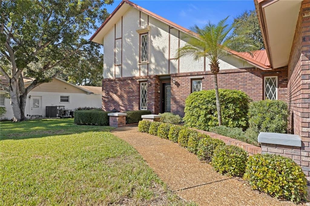 Single Family Home for sale at 7820 Portosueno Ave, Bradenton, FL 34209 - MLS Number is A4457751