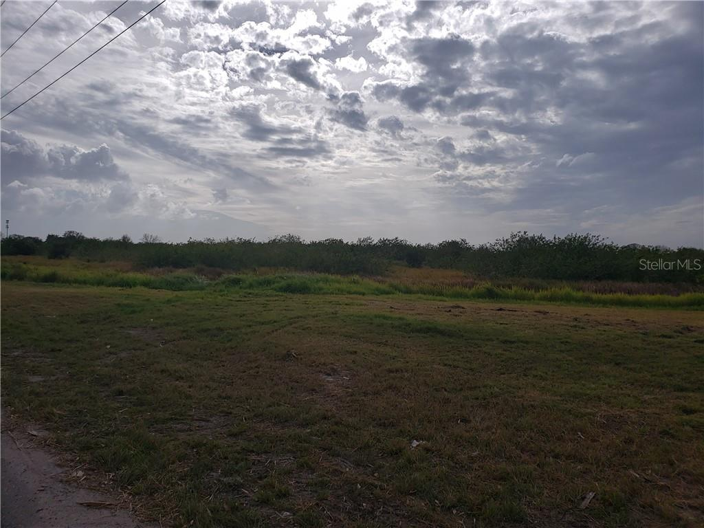 East part of the property! Ready for your Creativity! - Vacant Land for sale at 2835 22nd Avenue Cir E, Palmetto, FL 34221 - MLS Number is A4457981