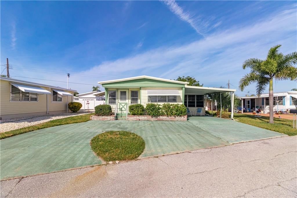 Single Family Home for sale at 1305 28th Avenue Dr W, Palmetto, FL 34221 - MLS Number is A4459069