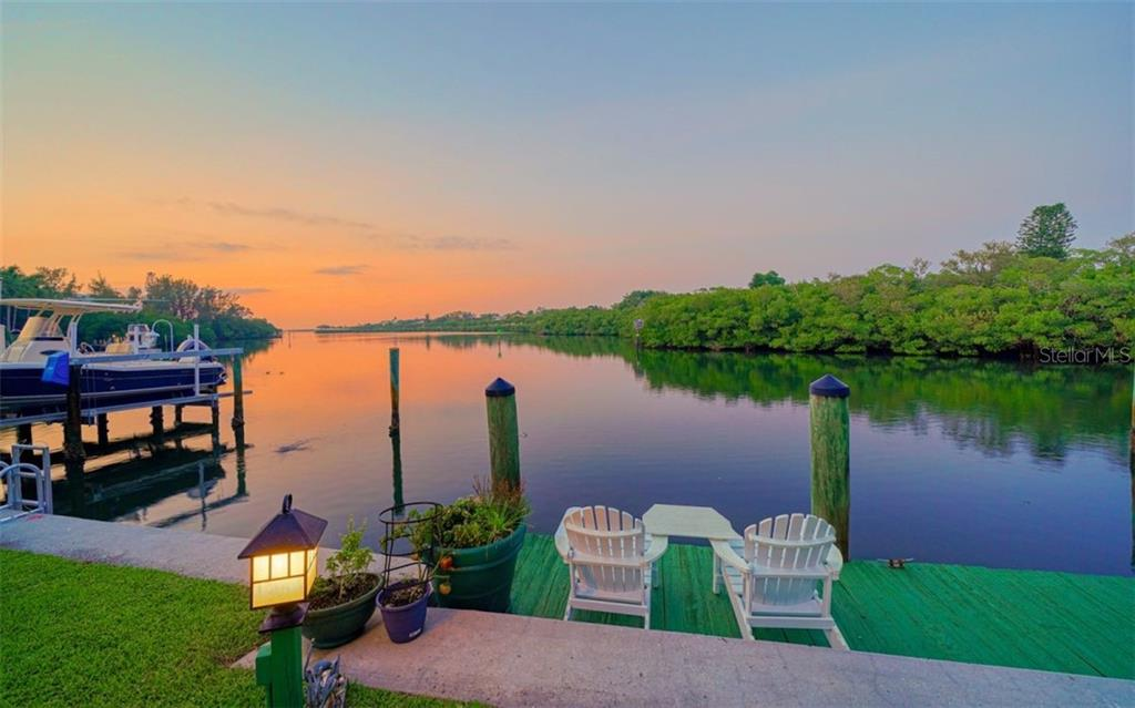 SUNSETS EVERY EVENING AT YOUR OWN PRIVATE DOCK - Single Family Home for sale at 3 Winslow Pl, Longboat Key, FL 34228 - MLS Number is A4464990