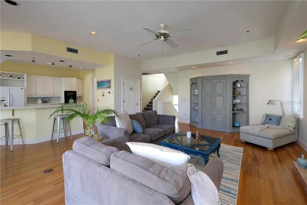 Living space. - Condo for sale at 515 Forest Way, Longboat Key, FL 34228 - MLS Number is A4465231