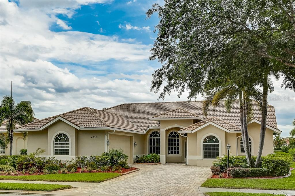 Front - Single Family Home for sale at 4338 Corso Venetia Blvd, Venice, FL 34293 - MLS Number is A4467578