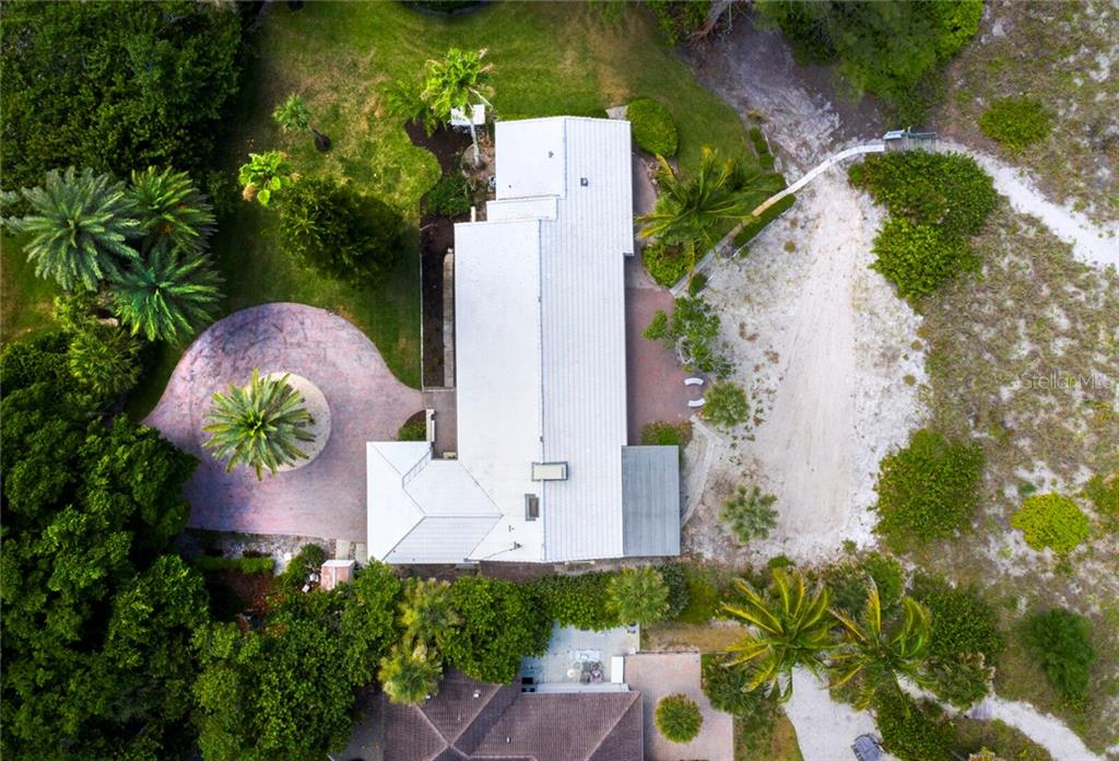 Single Family Home for sale at 4051 Gulf Of Mexico Dr, Longboat Key, FL 34228 - MLS Number is A4470796