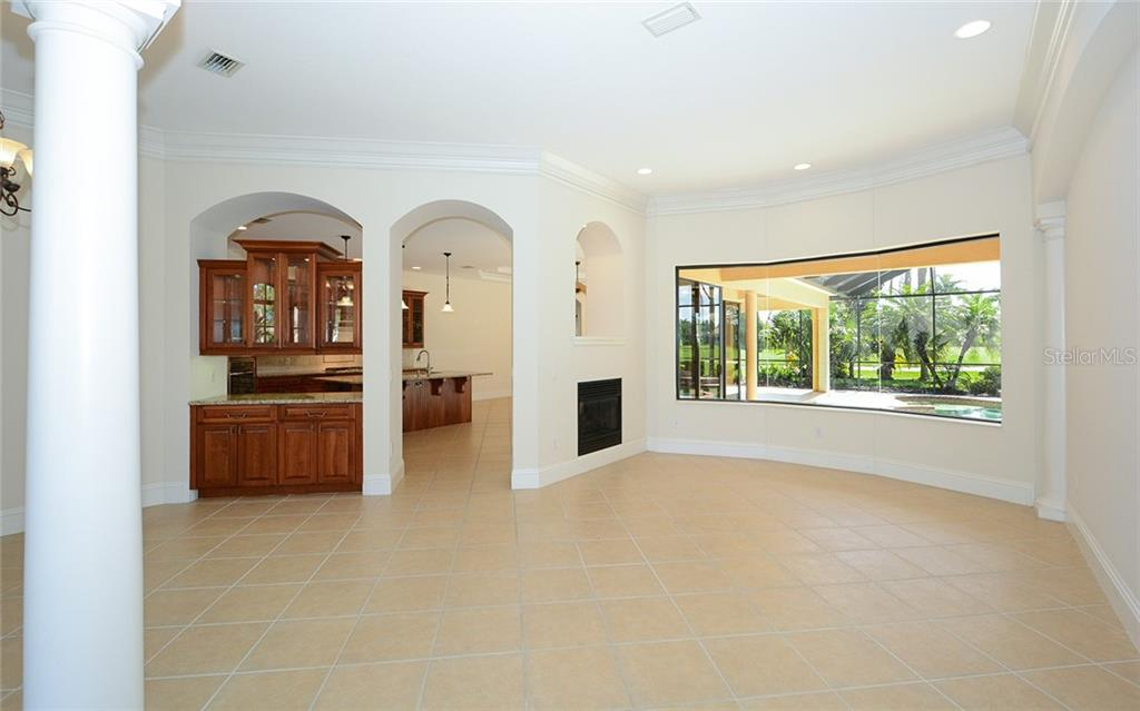 CDD - Single Family Home for sale at 6831 Dominion Ln, Lakewood Ranch, FL 34202 - MLS Number is A4471163