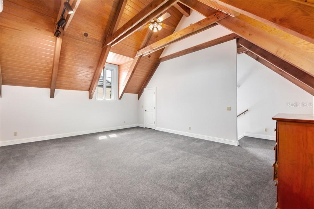 Upstairs multi-functional space with opportunity to create office, yoga or dance studio or crafts or play room with its own full bath plus walk in closets. - Single Family Home for sale at 1807 Oleander St, Sarasota, FL 34239 - MLS Number is A4475067