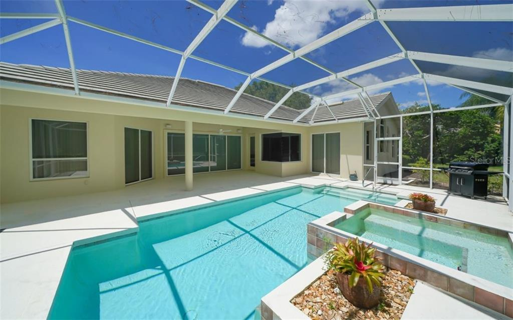 Pool/lanai - Single Family Home for sale at 462 E Macewen Dr, Osprey, FL 34229 - MLS Number is A4476181