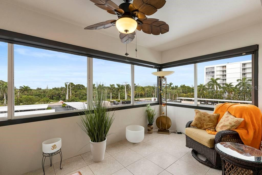 Condo for sale at 1700 Benjamin Franklin Dr #3g, Sarasota, FL 34236 - MLS Number is A4476990