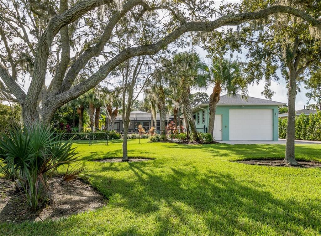 RV Garage / Out-Building - Single Family Home for sale at 1395 Bayshore Dr, Englewood, FL 34223 - MLS Number is A4480508