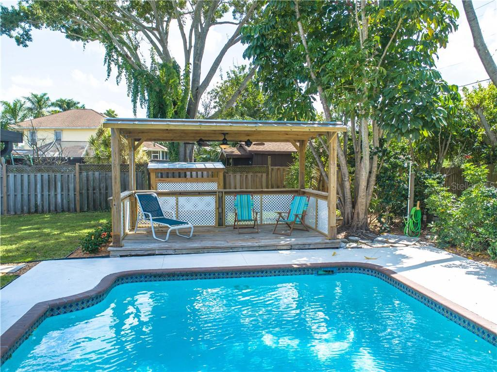 Single Family Home for sale at 2408 Riverside Dr E, Bradenton, FL 34208 - MLS Number is A4480609