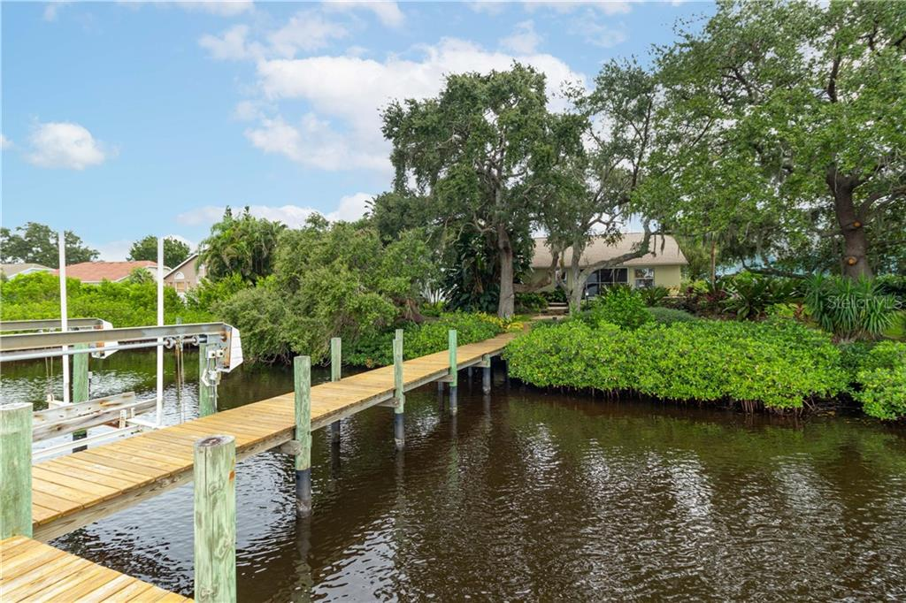Single Family Home for sale at 4214 14th Ave E, Bradenton, FL 34208 - MLS Number is A4481826