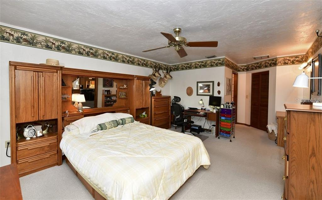 Spacious master suite - Single Family Home for sale at 9219 Bimini Dr, Bradenton, FL 34210 - MLS Number is A4483083