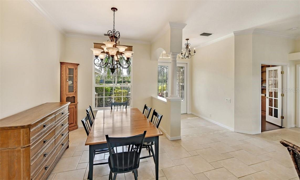 Large dining area - Single Family Home for sale at 7832 Panther Ridge Trl, Bradenton, FL 34202 - MLS Number is A4483837