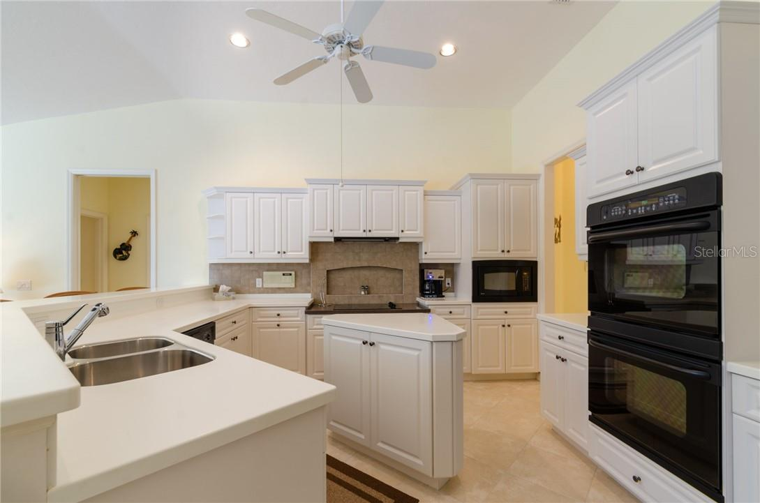 Single Family Home for sale at 6918 Stanhope Pl, University Park, FL 34201 - MLS Number is A4484449