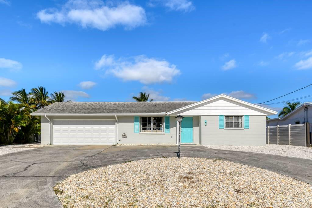 Front elevation - Single Family Home for sale at 512 68th St, Holmes Beach, FL 34217 - MLS Number is A4484565