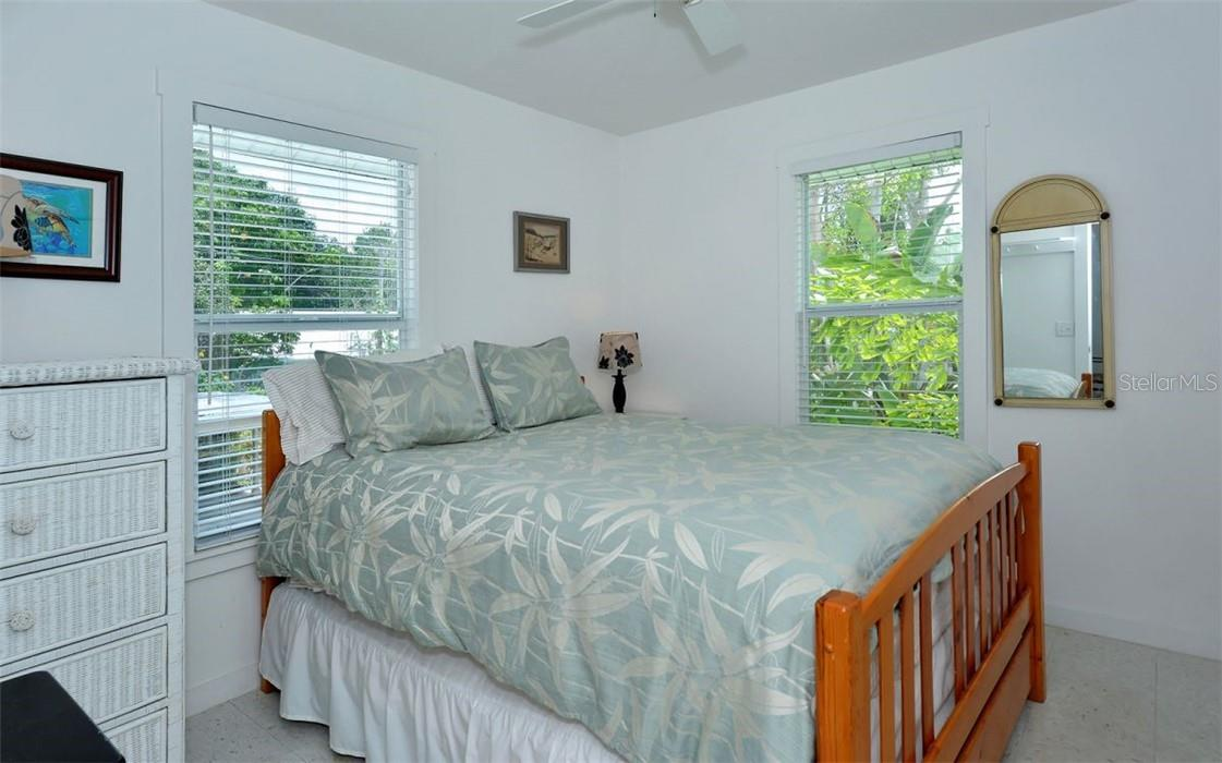 Guest house: 1st bedroom. - Single Family Home for sale at 542 Ohio Pl, Sarasota, FL 34236 - MLS Number is A4488498
