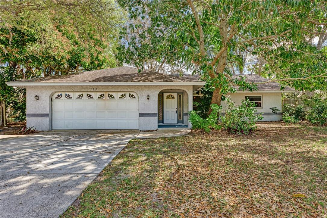 Seller's Mold Addendum - Single Family Home for sale at 3935 S Shade Ave, Sarasota, FL 34231 - MLS Number is A4489158